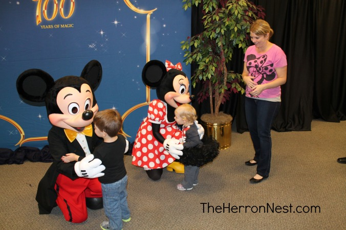 Abbey and Mason Meeting Mickey & MInnie
