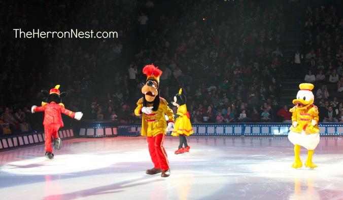 DisneyOnIce_MickeyandCrew